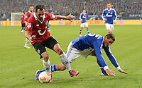 FUSSBALL   1. BUNDESLIGA   SAISON 2012/2013    18. SPIELTAG FC Schalke 04 - Hannover 96                           18.01.2013 Sergio Pinto (Hannover 96) gegen Sead Kolasinac (re, FC Schalke 04)