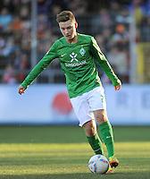 FUSSBALL   1. BUNDESLIGA   SAISON 2011/2012    20. SPIELTAG  05.02.2012 SC Freiburg - SV Werder Bremen Tom Trybull (SV Werder Bremen) am Ball