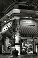 Tommy Bahama's, B_W, El Paseo Drive; Palm Desert; CA; Boutiques; famous; Restaurant; fashion; haute couture;