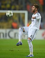 FUSSBALL   CHAMPIONS LEAGUE   SAISON 2012/2013   GRUPPENPHASE   Borussia Dortmund - Real Madrid                                 24.10.2012 Sergio Ramos (Real Madrid) Einzelaktion am Ball