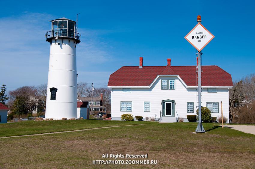 Chatham lighthouse and coast guard house, Cape Cod