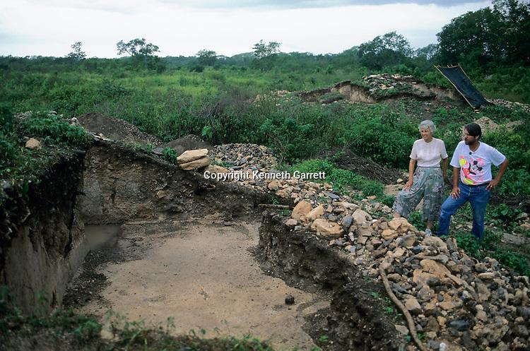 David Freidel with Joann Andrews, Ruta Maya; Americas; Ancient Cultures; Maya; Mexico; Yucatan, Yaxunha ceremonial center, Archaeology, Archaeologist