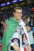 Cardiff City Stadium, Cardiff, South Wales - Tuesday 12th Aug 2014 - UEFA Super Cup Final - Real Madrid v Sevilla - <br /> <br /> Real Madrid&rsquo;s Gareth Bale wears his National flag with pride. <br /> <br /> <br /> <br /> Photo by Jeff Thomas/Jeff Thomas Photography