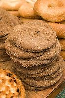 Asie/Israël/Judée/Jérusalem détail étal de pains sur le marché Mahane Yehuda un des marchés les plus importants de la a ville