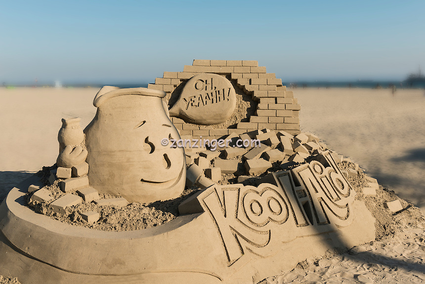 Sandcastles, Beach; Sand; Sculpture,  Sandsculpture; Long Beach; CA; Southern California; USA