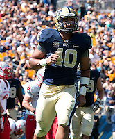 Pitt running back James Conner(40) breaks loose for a one yard touchdown run and his first career touchdown. The Pitt Panthers defeated the New Mexico Lobos 49-27 on Saturday, September 14, 2013 at Heinz Field, Pittsburgh, Pennsylvania.