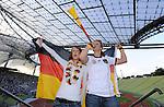Fussball WM2010: Public Viewing und Autokorsi in Muenchen und Bremen