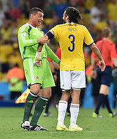 FUSSBALL WM 2014                ACHTELFINALE Kolumbien - Uruguay                  28.06.2014 Torwart Faryd Mondragon (li) und Mario Yepes (re, beide Kolumbien) jubeln nach dem Abpfiff