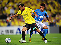 Roger (Reysol), Yuichi Komano (Jubilo), JUNE 15th, 2011 - Football : 2011 J.League Division 1 match between Kashiwa Reysol 0-3 Jubilo Iwata at Hitachi Kashiwa Soccer Stadium in Chiba, Japan. (Photo by AFLO).