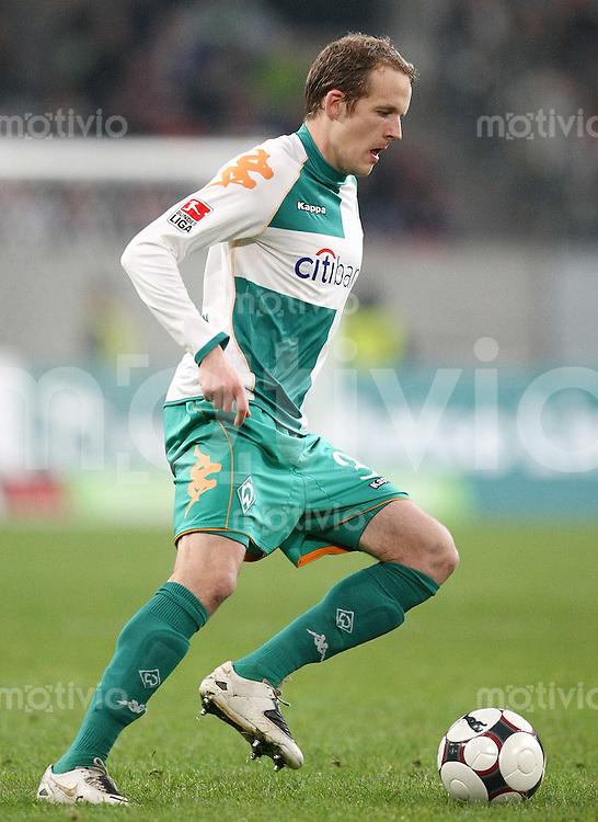 FUSSBALL     1. BUNDESLIGA     SAISON 2007/2008 Petri PASANEN (SV Werder Bremen), Einzelaktion am Ball