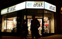 A At&t store while At&t Management discusses Q4 2011 results in New York, United States. 26/01/2012. Photo by Kena Betancur / VIEWpress.