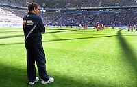 FUSSBALL   1. BUNDESLIGA   SAISON 2011/2012   33. SPIELTAG FC Schalke 04 - Hertha BSC Berlin                         28.04.2012 Trainer Otto Rehhagel (Berlin) steht an der Seitenlnie