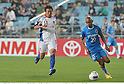 Kazuma Watanabe (FC Tokyo), Juan Estiven Velez (Ulsan),.MAY 16, 2012 - Football / Soccer :.AFC Champions League Group F match between Ulsan Hyundai FC 1-0 F.C.Tokyo at Ulsan Munsu Football Stadium in Ulsan, South Korea. (Photo by Takamoto Tokuhara/AFLO)