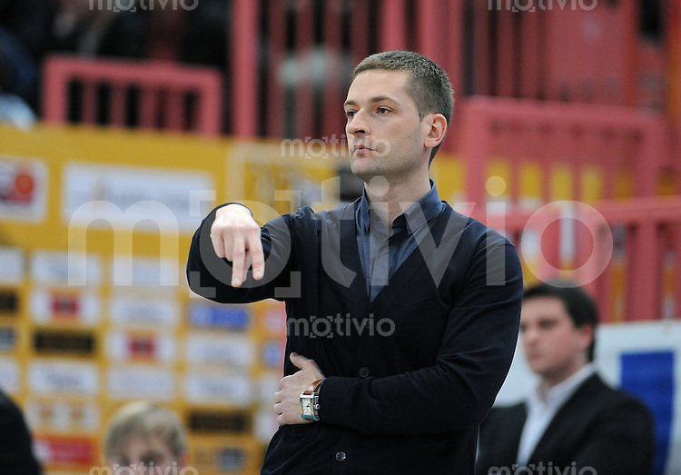 Basketball   1. Bundesliga 2009/2010  27.02.2010 Walter Tigers Tuebingen -  BG Goettingen Tigers Trainer Igor Perovic