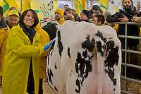 Roma 6 Febbraio 2015<br /> Manifestazione in Campidoglio, per &laquo;difendere il latte italiano&raquo;, organizzato dalla Coldiretti, e l&rsquo;Associazione italiana allevatori che  hanno portato le  mucche  nelle piazze italiane per sensibilizzare opinione pubblica e istituzioni sulla crisi del settore lattiero-caseario. Nunzia De Girolamo ex ministro dell'Agricoltura<br /> Rome February 6, 2015<br /> Demostration  at the Capitol, to &quot;defend the Italian milk&quot;, organized by Coldiretti, and the Association of Italian farmers who brought the cows in the Italian squares to sensitize public opinion and institutions on the crisis of the dairy sector. Nunzia De Girolamo former Minister of Agriculture