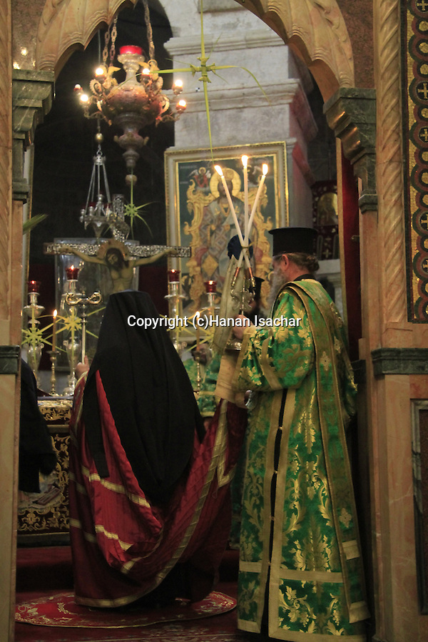 Israel, Jerusalem, Greek Orthodox Patriarch Theophilus III of Jerusalem on Palm Sunday at the Church of the Holy Sepulchre