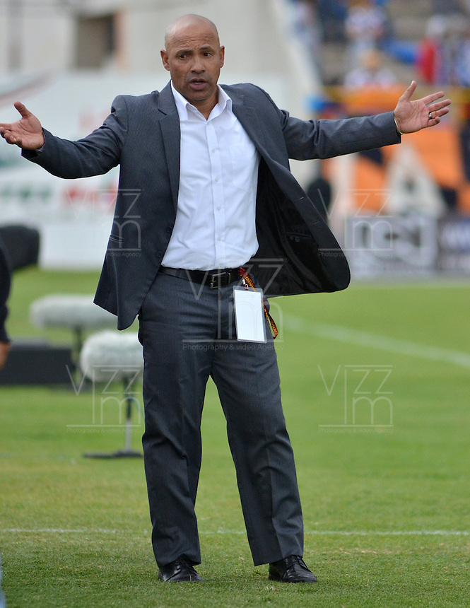 TUNJA -COLOMBIA, 21-03-2016. Dario Sierra técnico de Boyacá Chicó durante partido contra Patriotas FC por la fecha 10 Liga Águila I 2016 realizado en el estadio La Independencia en Tunja. / Dario Sierra coach of Boyaca Chico during the match against Patriotas FC for the date 10 of Aguila League I 2016 played at La Independencia stadium in Tunja. Photo: VizzorImage/César Melgarejo/Cont