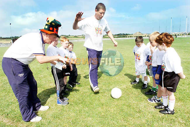 Finbar Devlin practicing with the children at the Louth GAA Summer Camp in the Dreadnots football field, Clogherhead..Picture Paul Mohan Newsfile