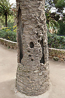 Trunk of a palm tree, Park Güell, Barcelona, Catalonia, Spain, 1900 - 1914, built by architect Antoní Gaudi (Reus 1852, Barcelona 1926). Picture by Manuel Cohen