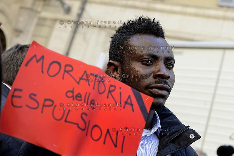 Roma, 21 Aprile 2015.<br /> Manifestazione di varie associazioni all'indomani del naufragio nel Mediterraneo in cui sono morte di 900 persone.<br /> Si chiede un corridoio umanitario e una politica di accoglienza dignitosa.