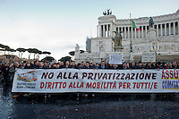 Roma, 20 Gennaio 2014<br /> Manifestazione degli autoferrotramvieri contro la privatizzazione del trasporto pubblico, per nuove assunzioni e per contratti migliori.<br /> Rome, January 20, 2014 <br /> Manifestation of  drivers of self-organized of the  public transport, from all over Italy, against privatization of public transport, and labor exploitation.