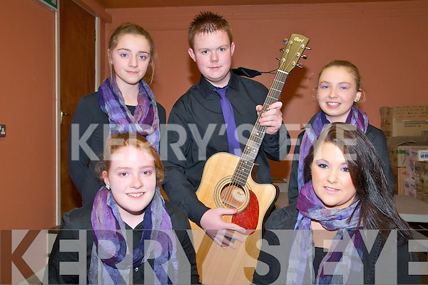 Scor Na nOg Ghairrai Thuaidh : Pictured at the Scor Na nOg Ghairrai Thuaidh held in Marian Hall, Moyvane on Sunday evenin last were the Moyvane Ballad Group. Front: Lisa Mulvihill & Rachael O'Gorman. Back : Lisa Mulvihill, Liam Corridan & Laura Stack.