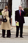 Austin, TX, USA, 20001109: Karl Rove outside the Guvernor's mansion in Austin pretending not to hear responding to reporters who want a statement after Texas Guvernor George W. Bush appeared to have won the 2000 Presidential Election. Photo: Orjan F. Ellingvag/ Dagbladet/ Corbis