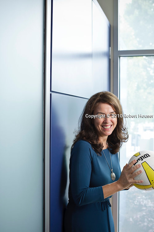 Barbara V. Scherer images - Senior Vice President Finance & Admin. ; CFO - Plantronics : Executive portrait photographs by San Francisco Bay Area - corporate and annual report - photographer Robert Houser. 2010 pictures.