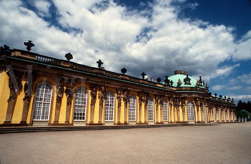 Park Sanssouci, Schloss Sansoucci, (Sanssouci Palace), Potsdam, Germany..