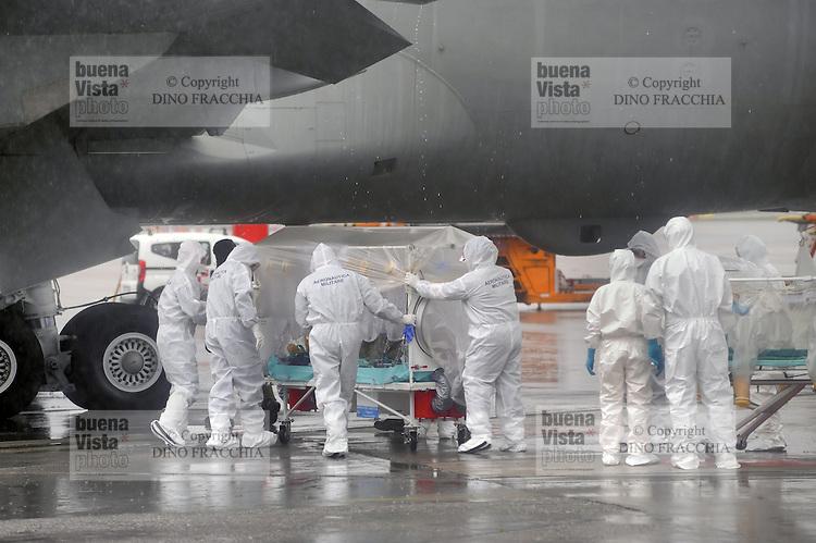 in attesa di Ebola