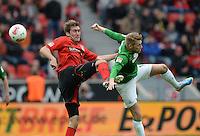 FUSSBALL   1. BUNDESLIGA   SAISON 2012/2013    31. SPIELTAG Bayer 04 Leverkusen - SV Werder Bremen                  27.04.2013 Stefan Reinartz (li, Bayer 04 Leverkusen) gegen Aaron Hunt (re, SV Werder Bremen)