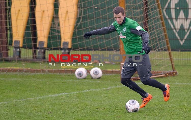 19.12.2013, Trainingsgelaende, Bremen, GER, 1.FBL, Training Werder Bremen, im Bild Lukas Schmitz (Bremen #13)<br /> <br /> Foto &copy; nordphoto / Frisch