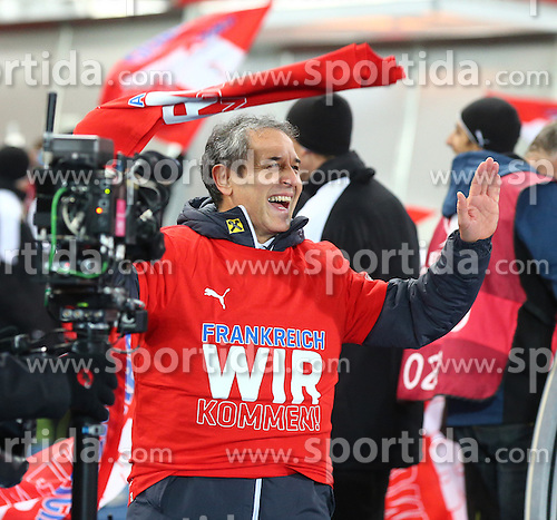 12.10.2015, Ernst Happel Stadion, Wien, AUT, UEFA Euro 2016 Qualifikation, Oesterreich vs Liechtenstein, Gruppe G, im Bild Marcel Koller (AUT, Trainer) // during the UEFA EURO 2016 qualifier group G between Austria and Liechtenstein at the Ernst Happel Stadion, Vienna, Austria on 2015/10/12. EXPA Pictures © 2015, PhotoCredit: EXPA/ Thomas Haumer
