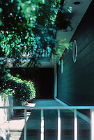 Erich Mendelsohn: House at 3778 Washington, San Francisco. Entrance. Photo '78.