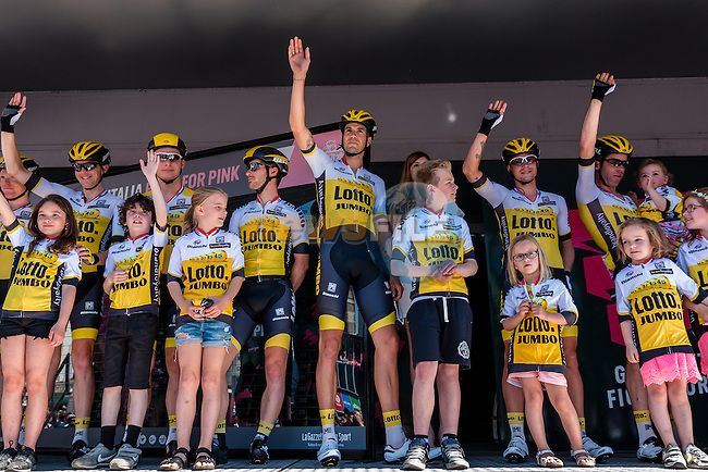 Riders of Team Lotto NL - Jumbo (NED) and children signing in before the start at Nijmegen, stage 3 from Nijmegen to Arnhem running 190 km of the 99th Giro d'Italia (UCI WorldTour), The Netherlands, 8 May 2016. Photo by Pim Nijland / PelotonPhotos.com | All photos usage must carry mandatory copyright credit (Peloton Photos | Pim Nijland)