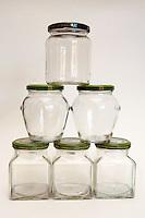 Barattoli di vetro per conservare gli alimenti. Glass jars for storing food....