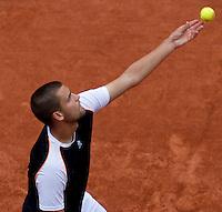 Mikhail Youzhny (RUS) (11) against Tomas Berdych (CZE) (15) in the quarter finals of the men's singles. Tomas Berdych beat Mikhail Youzhny 6-3 6-1 6-2..Tennis - French Open - Day 10 - Tue 1 June 2010 - Roland Garros - Paris - France..© CameraSport-MIKE FREY - 43 Linden Ave. Countesthorpe. Leicester. England. LE8 5PG - Tel: +44 (0) 116 277 4147 - admin@camerasport.com - www.camerasport.com