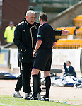 St Johnstone v Inverness Caley Thistle.....27.04.13      SPL.Terry Butcher gets a lecture from Craig Thomson.Picture by Graeme Hart..Copyright Perthshire Picture Agency.Tel: 01738 623350  Mobile: 07990 594431