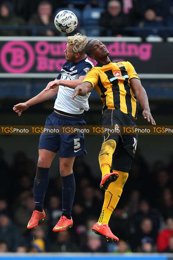 Adam Thompson of Southend United rises with Tom Elliott of Cambridge United - Southend United vs Cambridge United - Sky Bet League Two Football at Roots Hall, Southend-on-Sea, Essex - 21/03/15 - MANDATORY CREDIT: Gavin Ellis/TGSPHOTO - Self billing applies where appropriate - contact@tgsphoto.co.uk - NO UNPAID USE