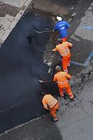 Manutenzione strada.Maintenance road.