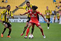 Carlos Hernandez and Osama Malik during the A League - Wellington Phoenix v Adelaide United, Wellington, New Zealand on Sunday 30 March 2014. <br /> Photo by Masanori Udagawa. <br /> www.photowellington.photoshelter.com.