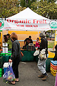 Food market stall at Ecology Center's Berkeley Farmers' Market which prides itself on being a 'Zero Waste Zone' and prohibiting genetically modified foods. Berkeley, California, USA