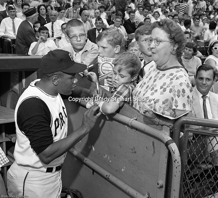 Pittsburgh PA:  Willie Stargell signing autographs at the HYPO charity baseball game with the Cleveland Indians.<br />