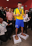Fussball  International  FIFA  FUTSAL WM 2008   19.10.2008 Finale Brasil - Spain Brasilien - Spanien FALCAO (BRA) laesst sich Gipsabdruecke seiner Fuesse nehmen, diese werden im Bereich des Stadions Maracanazinho verewigt.