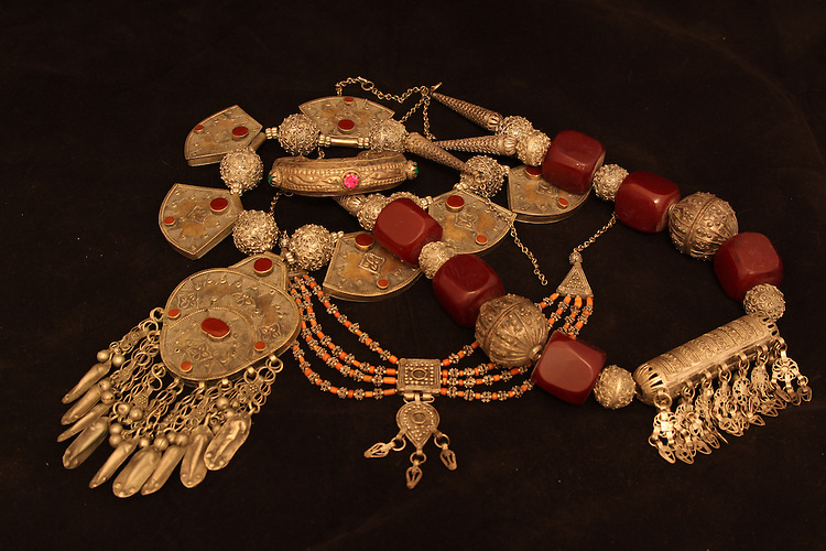 Arabic Jewelry, Arabic Gold, Arabic Artifacts, Yamane Jewelry.