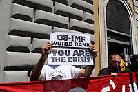 Manifestazione della Rete anti G8  davanti al Ministero dell'Economia  per protestare contro la responsabilità delle banche nella crisi economica e contro il G8..Demonstration of the Net anti G8 in front of the ministry of the Economy to protest against the responsibility of the banks in the economic crisis and against the G8..