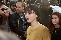 Rila Fukushima - ARRIVEES AU DEFILE 'VUITTON' AU LOUVRE - FASHION WEEK DE PARIS