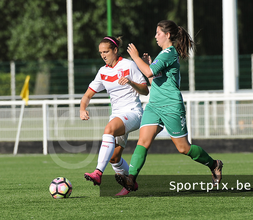 20160806 - LILLE , FRANCE : LOSC's Maud Coutereels (L) and Henin Beaumont's Desmons (R) pictured during a friendly game between the women teams of Lille OSC and Henin Beaumont during the preparations for the 2016-2017 season at stade Lille Metropole , Saturday 6th August 2016 ,  PHOTO Dirk Vuylsteke | Sportpix.Be