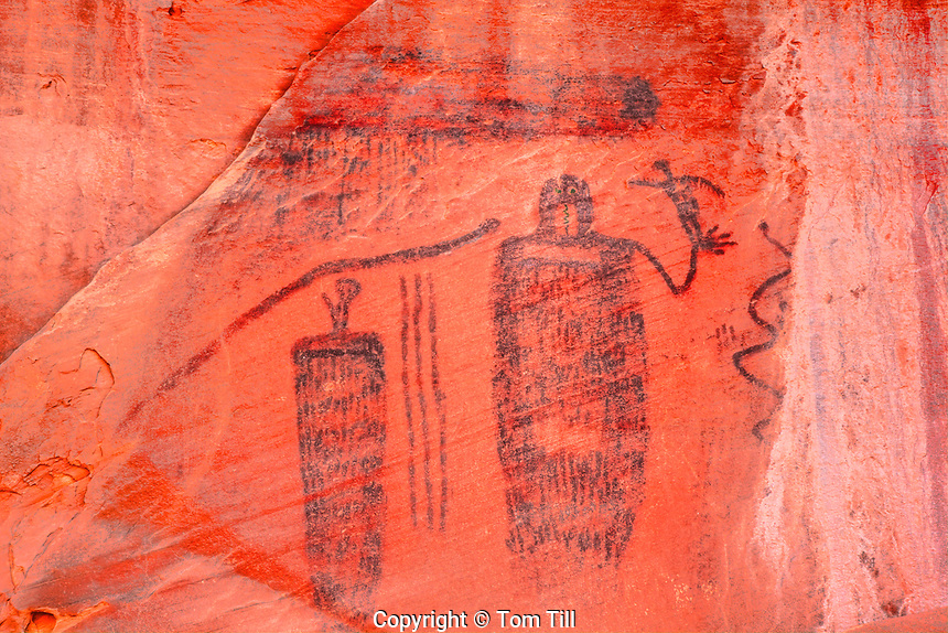 Ancient Ancestral Puebloan rock art, Barrier Canyon style pictographs <br /> Location secret to protect archeology<br /> 45V IC