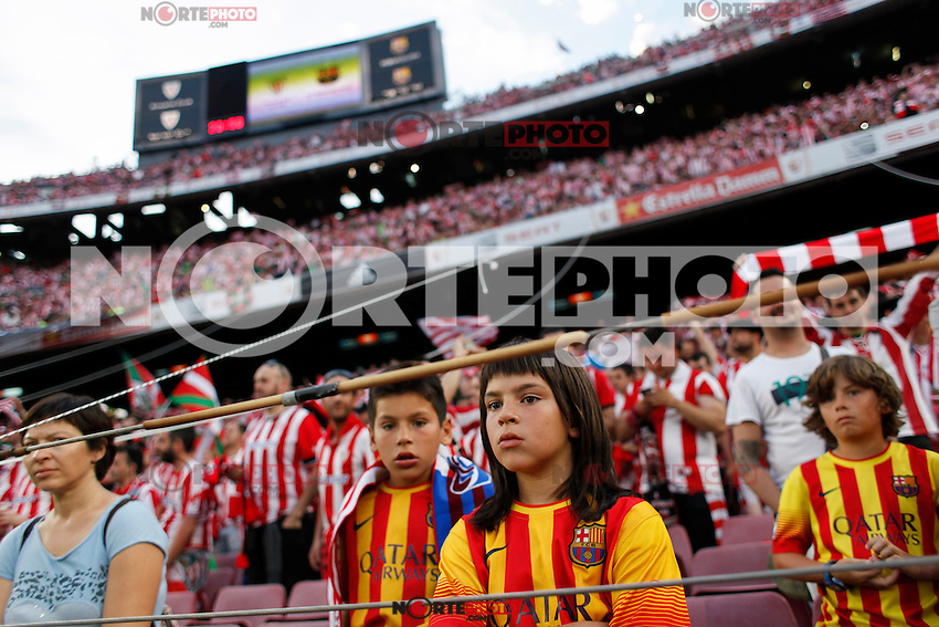 Barcelona´s supporters during 2014-15 Copa del Rey final match between Barcelona and Athletic de Bilbao at Camp Nou stadium in Barcelona, Spain. May 30, 2015. (ALTERPHOTOS/Victor Blanco)